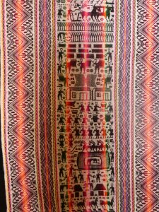 Textiles and fashion in Bolivia